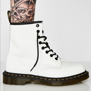 NWT - 1460 Smooth White Dr. Martens - Size 8